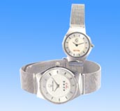 Fashion wrist watch direct import online wholesale fashion watch set in white round face and bracelet band design. Stainless steel, water resistance, high quality piece in the most competitive price offered!